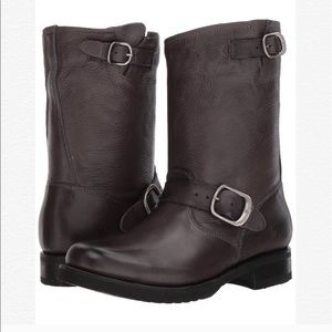 Frye Veronica short slouchy boots smoke color 7.5